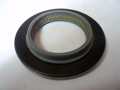 OIL SEAL REAR WHEEL OUT M/ PS100